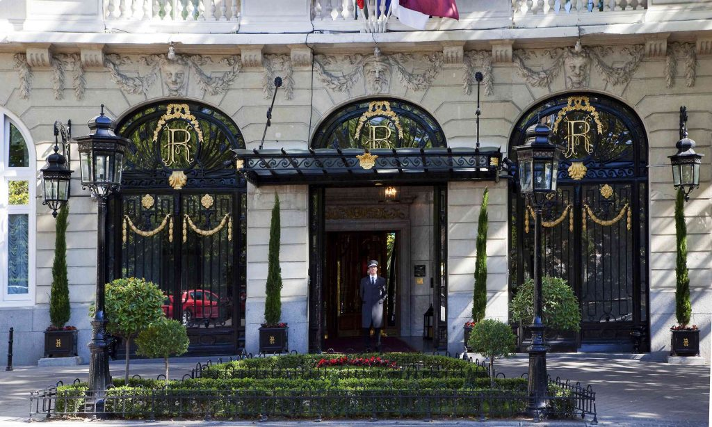 hotelritz-entrance-1