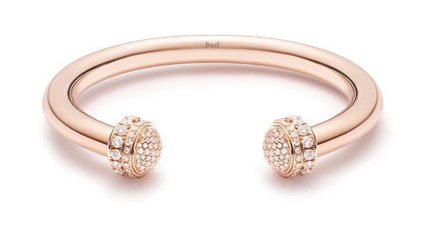 Piaget Possession 时来运转手镯-18K 玫瑰金(G36PD700),镶饰182 颗明亮式切割美钻(2.358 克拉),手镯两端均有镶钻旋转圆环,直径:6mm。