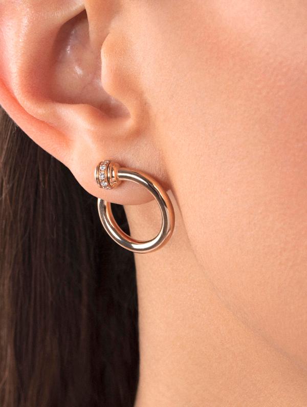 Piaget Possession 时来运转系列耳环 - 18K 玫瑰金,镶饰20 颗明亮式切割美钻(0.206 克拉),耳环两端处均有镶钻旋转圆环。-G38PV700