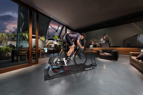 【Garmin】推出Tacx® 室内智能骑行台和滚轮骑行台
